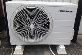 エアコン冷媒